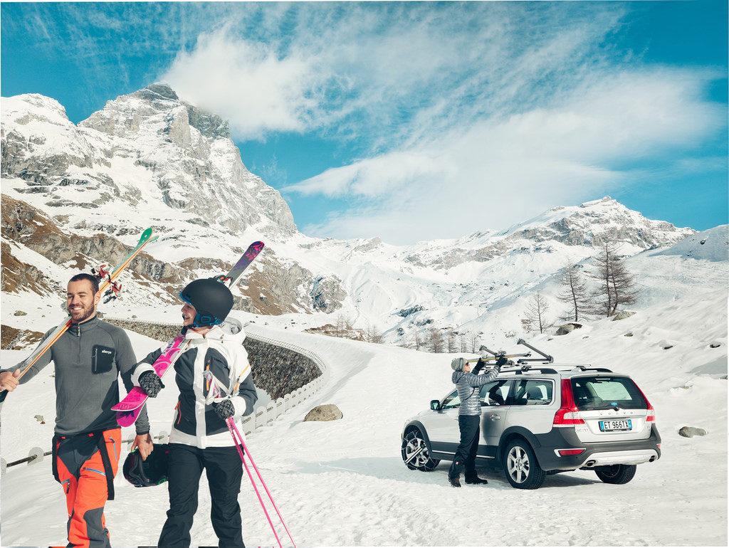 Los mejores sistemas para llevar los esquís en el coche a Baqueira Beret