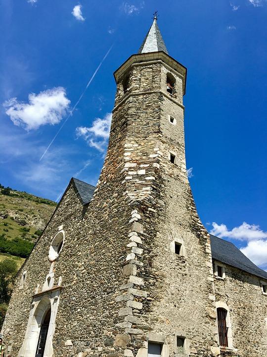 Rutas del Valle de Arán: Pla de Beret - Santuario de Montgarri